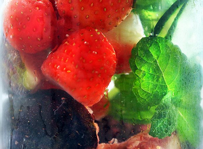 Água Aromatizada com Frutas Vermelhas