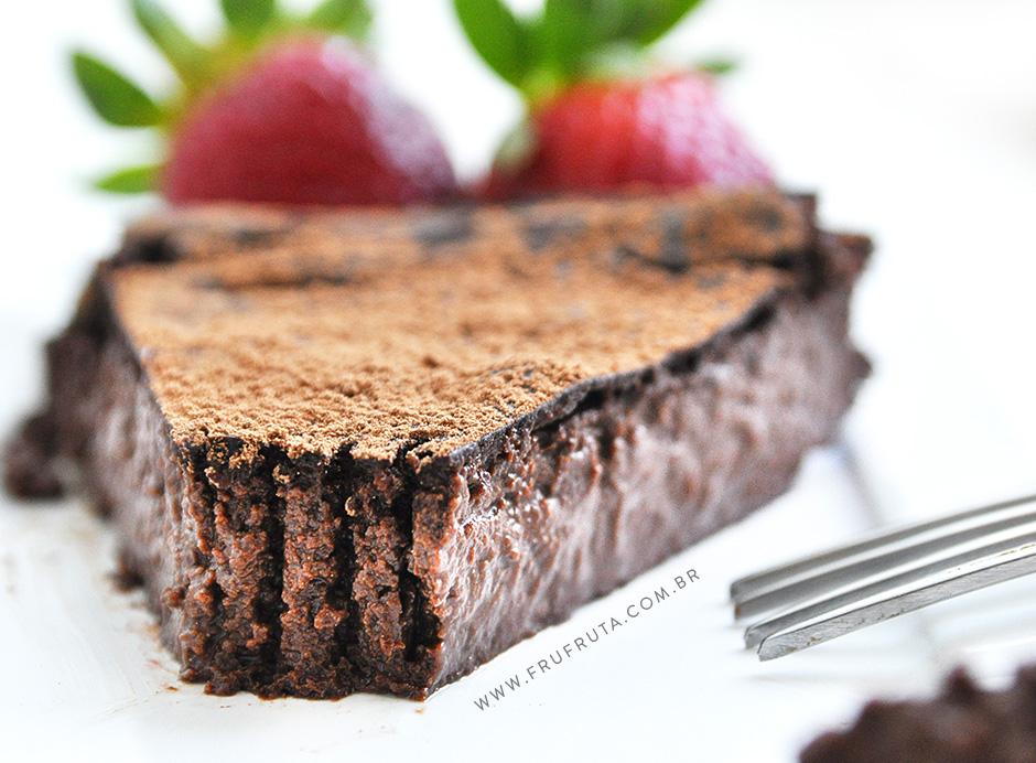 Torta Mousse de Chocolate sem Farinha e Sem Ovos - Vegana, Proteica e Deliciosa! | Receita | Pati Bianco | Fru-fruta