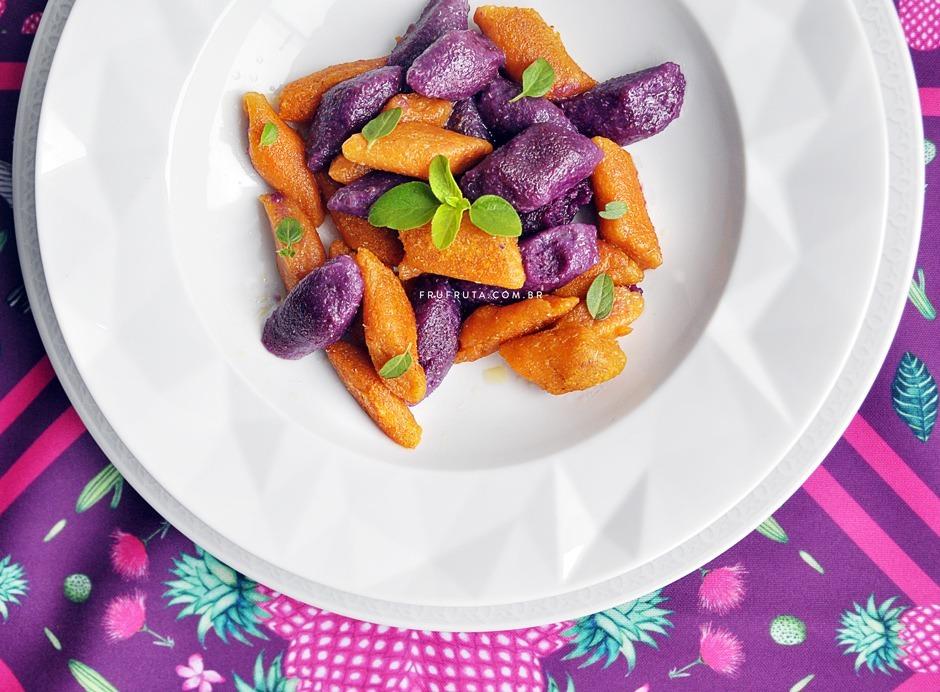 Nhoque Integral de Batata Doce Roxa e Salmão - Um prato lindo, saudável e delicioso! | Receita | Pati Bianco | Fru-fruta