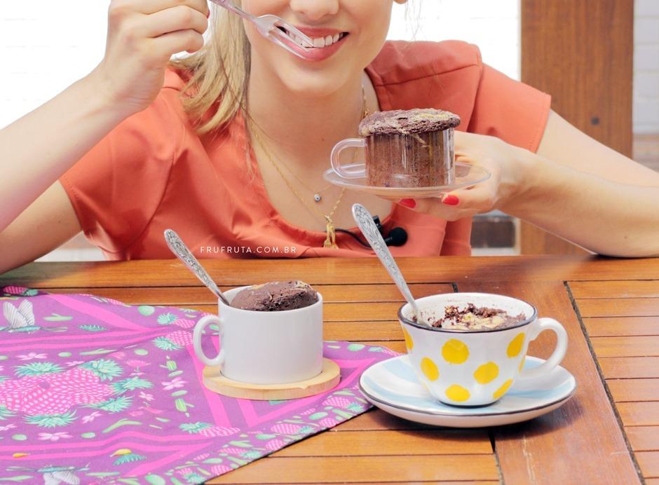 Bolo de Caneca Saudável Super Fácil! Integral, Sem Ovo, Sem leite, Sem Glúten | Receita de Microondas | Pati Bianco | Fru-fruta