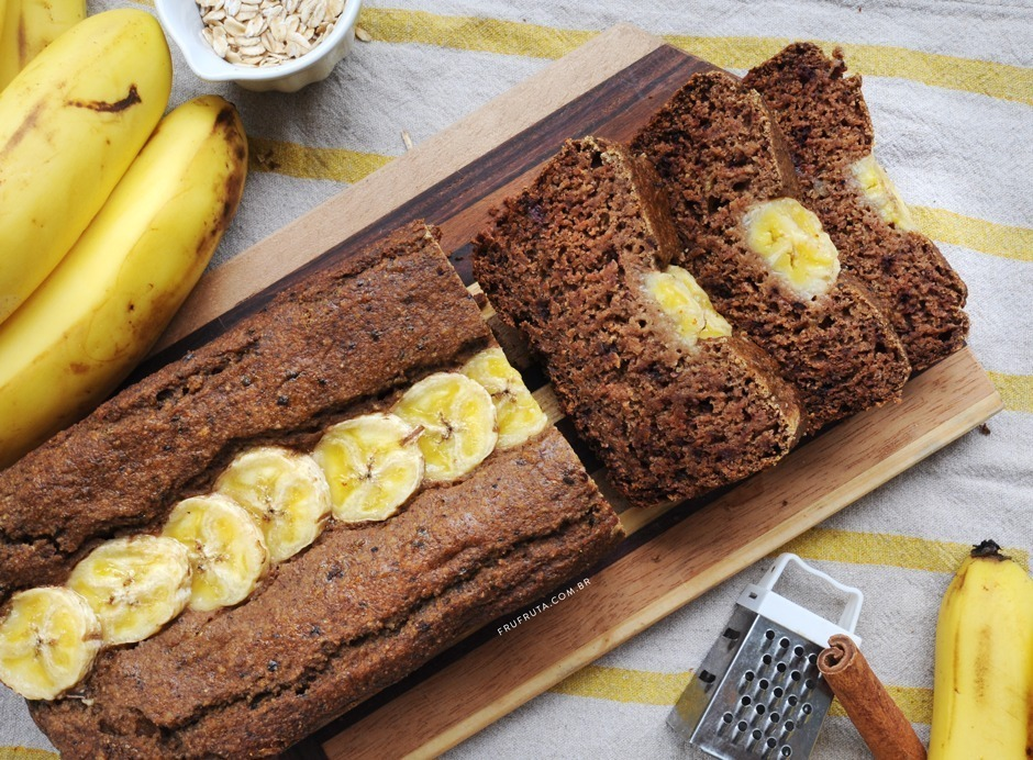Bolo de Banana Saudável com 6 Ingredientes! (Sem Açúcar, Sem Lactose, Integral, Vegano) | Receita | Pati Bianco | Fru-fruta