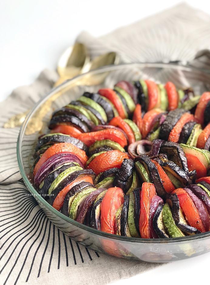 Ratatouille - Um Prato Lindo e Incrivelmente Saboroso! | Receita | Pati Bianco | Fru-fruta