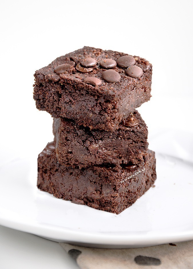 Brownie supermacio sem açúcar - úmido, intenso e delicioso!